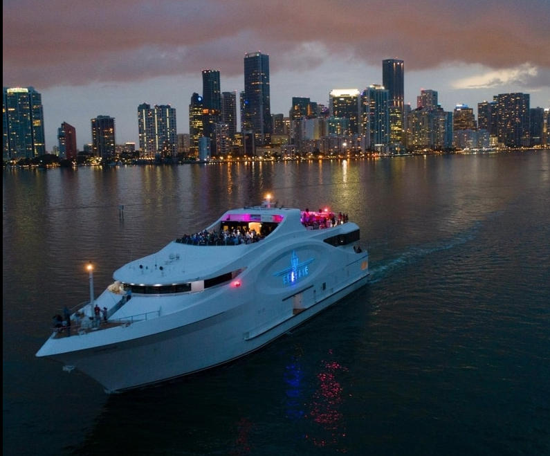 Miami Models for the Seafair Miami Yacht Party! 4/8 - City